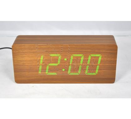 VST-865-4 часы настольные в деревянном корпусе с зелеными цифрами