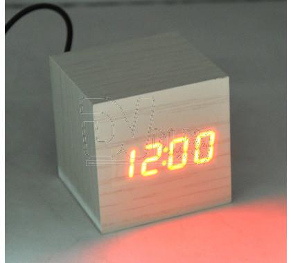 VST-869-1 часы настольные в деревянном корпусе (красные цифры)