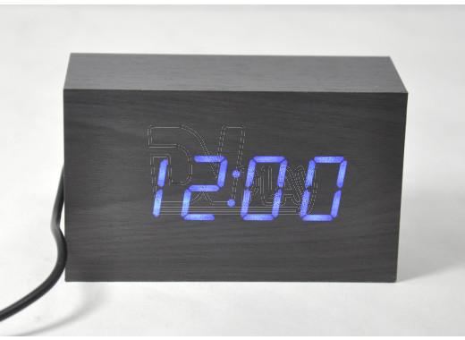 VST-863-5 часы настольные в деревянном корпусе с синими цифрами