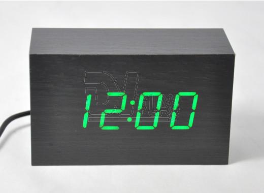 VST-863-4 часы настольные в деревянном корпусе с зелеными цифрами