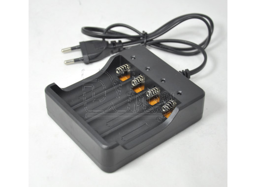 Зарядное устройство для 4-х аккумуляторов HD-077B