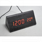 VST-861-1 часы настольные в деревянном корпусе (черный корпус, красные цифры)